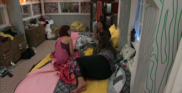 Big Brother 21 Live Feeds July 1 Forming the Black Widows-3